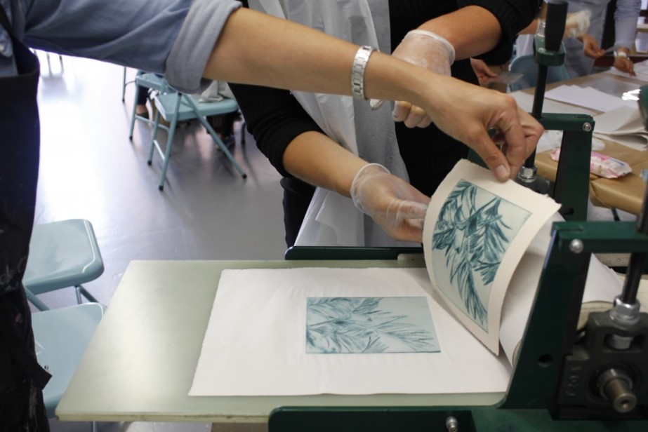 Making Connections Summer School: Exploring Printmaking with Janine Davidson  Image: Exploring Printmaking workshop with Janine Davidson during the 2018 Making Connections: Summer School