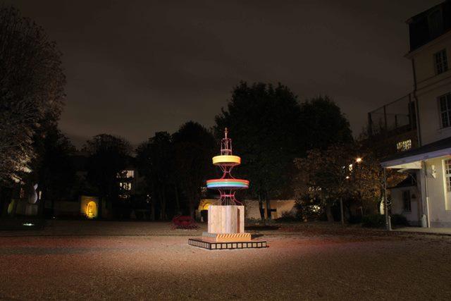 Studio Talk: Mark Clare  Mark Clare, 'La Fontaine du Réalisme' - Centre Culturel Irlandais, Paris, 2013