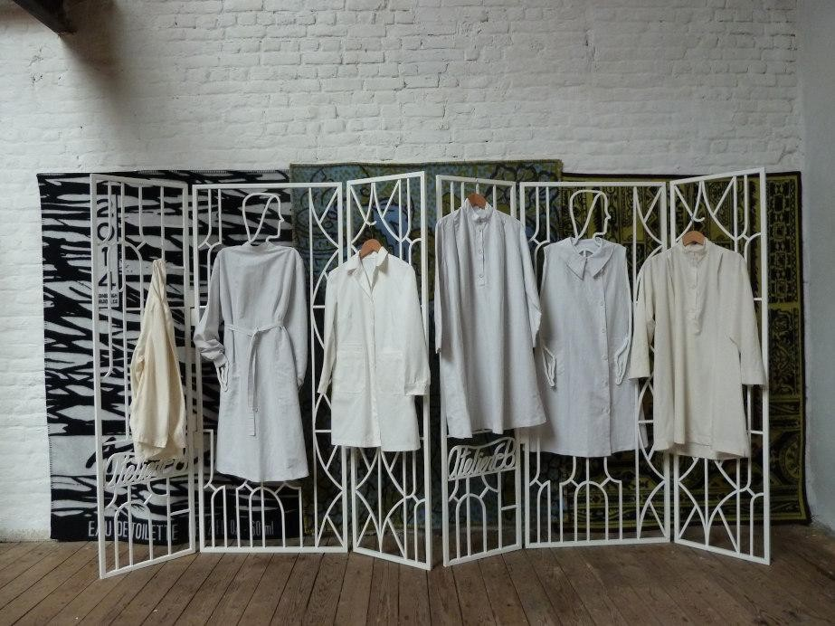 Irish Diaspora and the World of Window Display: The international impact of Irish men and women in the early days of window display professionalism  Lucy McKenzie, Atelier EB screen and work coats. Courtesy the artist.