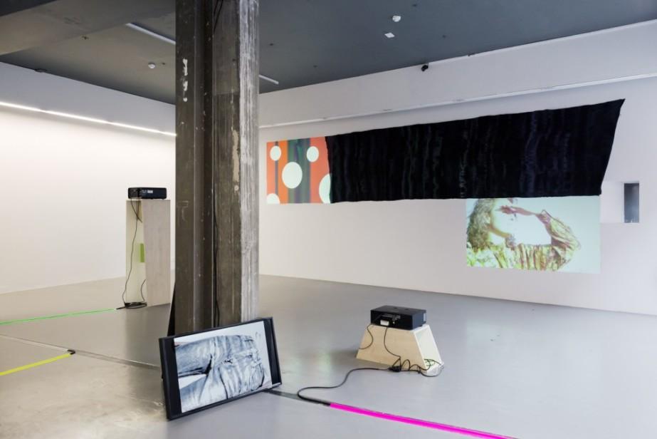 TBG+S Writer 2017: Gavin Corbett - Essay #1 'Parallelogram'  Installation view, Woodall, Hilary Lloyd, Temple Bar Gallery + Studios, 2017. Photo by Kasia Kaminska